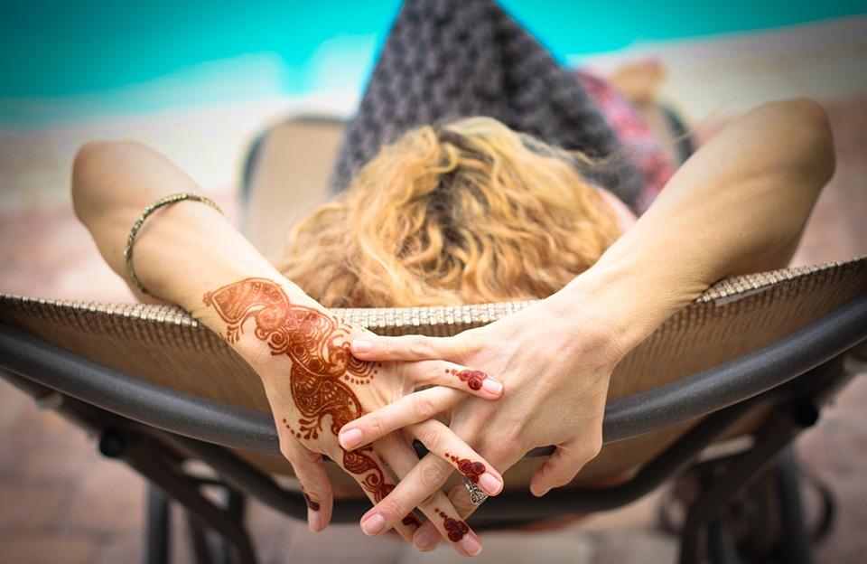 10 Tips for Planning Your Destination Wedding Henna or Mehendi Night: